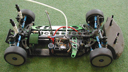 Un prototype Mini sur base de Team Associated TC3.
