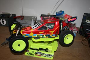 Team Associated RC10B3 (1997).