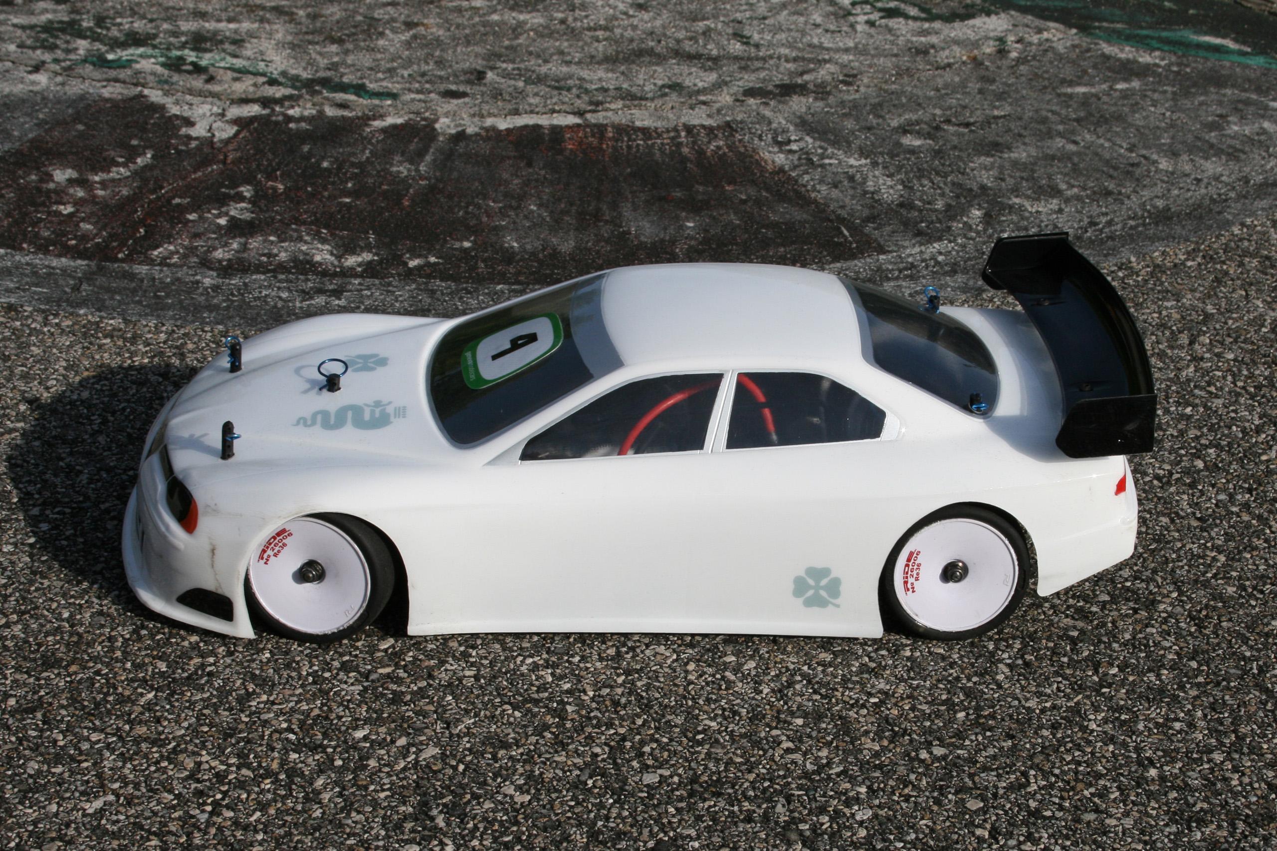 Over r c le site de la voiture radio command e lectrique for Moquette circuit voiture
